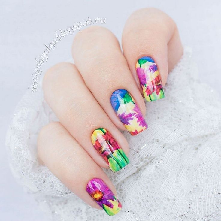 #маникюр #nailart #гельлак #слайдер #чернаяпантера #bpw #красивыйманикюр #ногти #nail #nails #красивыеногти #лето #цветы #ярко  Маникюр с яркими цветами с @slider_bpwomen. http://ift.tt/2bi33zt