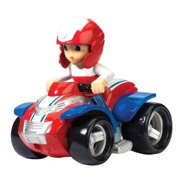 Ga op reddingsavontuur met Rescue Racer Ryder uit de tv-serie Paw Patrol! Ryder rijdt rond op zijn stoere quad en neemt de leiding over de Rescue Racers.  Het speelfiguur en het voertuig zijn gemaakt van stevig kunststof en niet los te halen.