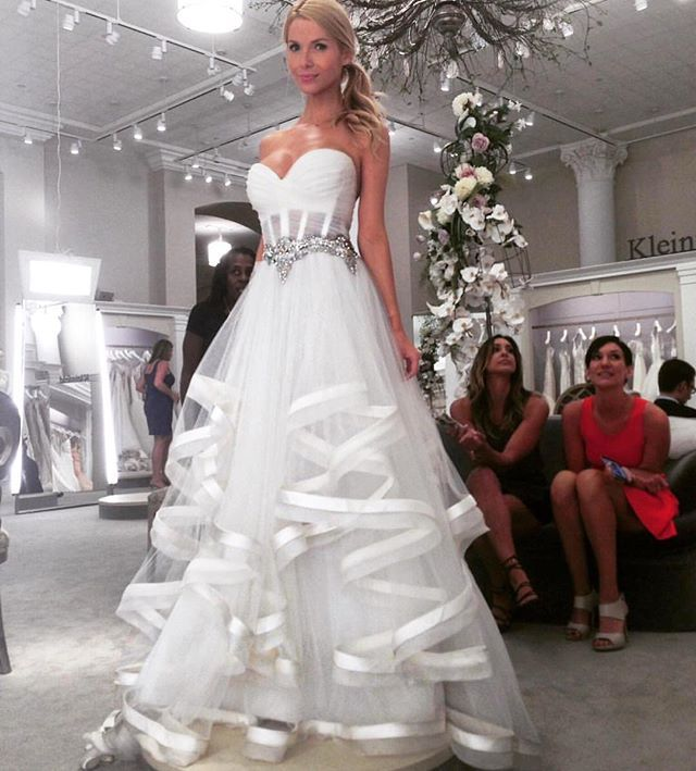 Would you say YES to this dress? Tag a friend that would!  Repost @kleinfeldbridal ・・・ When @overthehudson visited #Kleinfeld, she tried on this pretty @pninatornai gown  She looks so pretty!