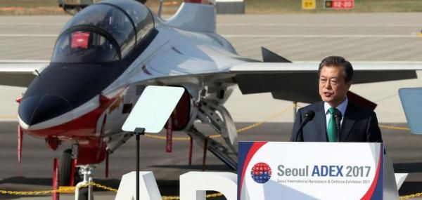 South Korean President Moon Jae-in wants Seoul to export the locally developed KAI T-50.