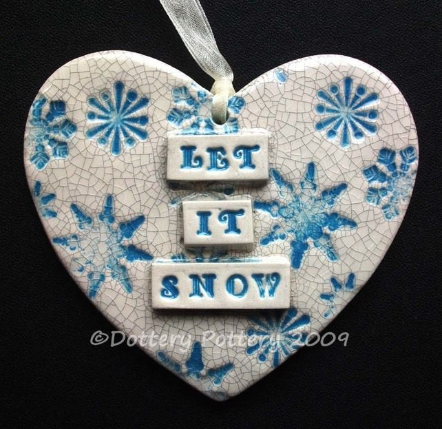 Let it Snow Christmas ceramic heart £7.00