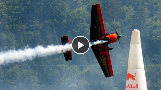 Haute voltige : Un spectaculaire slalom en avion à plus de 360 km/h