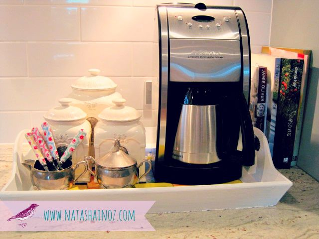 Great idea on organizing the coffee / tea section of your kitchen. You do have one right? :) Found on: Hometalk.com