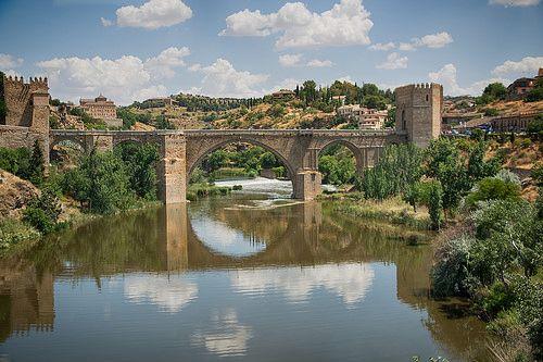 Puente de San Martín (St Martin's Bridge), Toledo, Spain