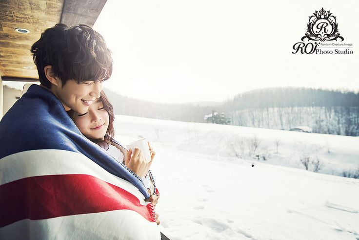 It's all snow around Daegwallyeong around the winter. In this peaceful province of Korea, 3 hours from Seoul, the photoshoot can be completed within a day. Please refer to our website: www.roistudio.co.kr #Koreawedding #prewedding #wedding #Koreatrip #Daegwallyeong #roistudio