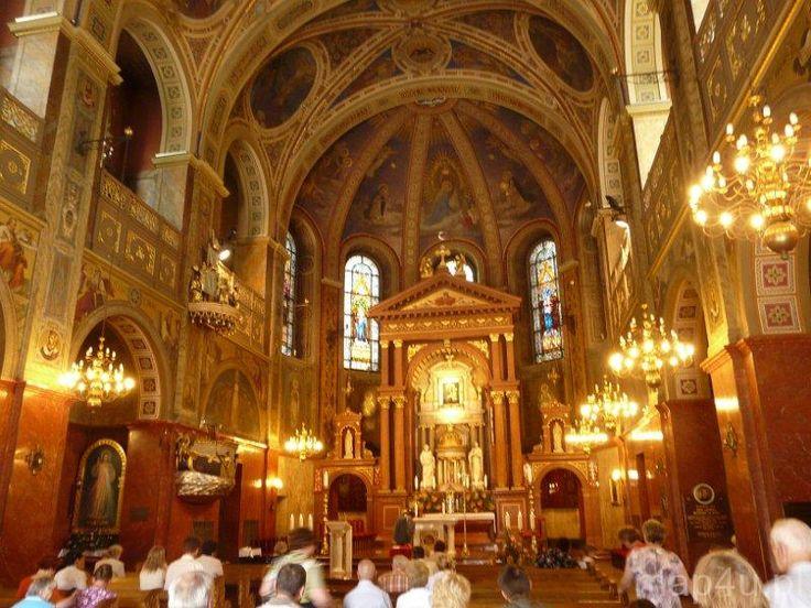 Kościoły w Polsce: SANKTUARIUM W PIEKARACH ŚLĄSKICH