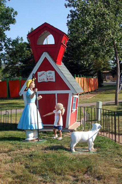 Family Ever After....: 10 Fun FREE Things to do in Rapid City, South Dakota and GIVEAWAY