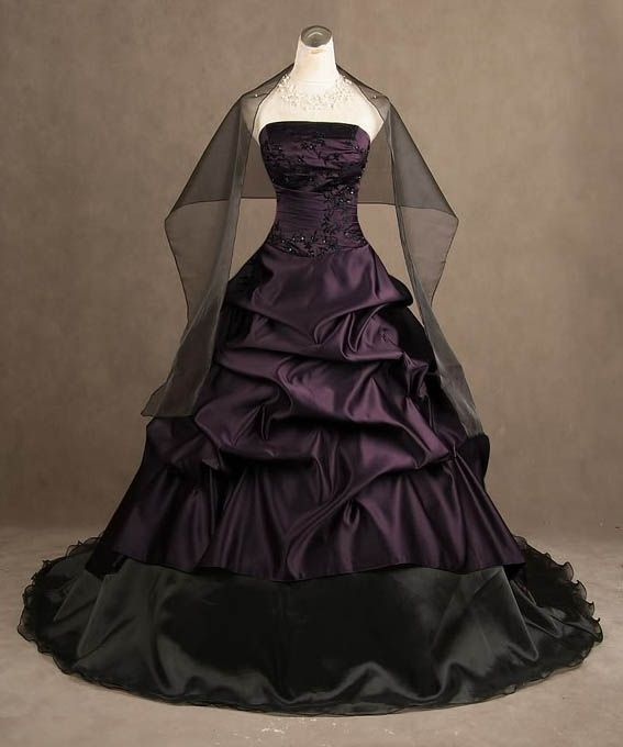 Vintage Purple Gothic Ball Gown Wedding Dresses With Cloak: 113194f8cf0faccd899fecde22f56323.jpg