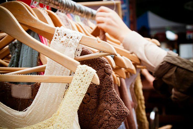 Venta de ropa de segunda mano con descuento de hasta 80%