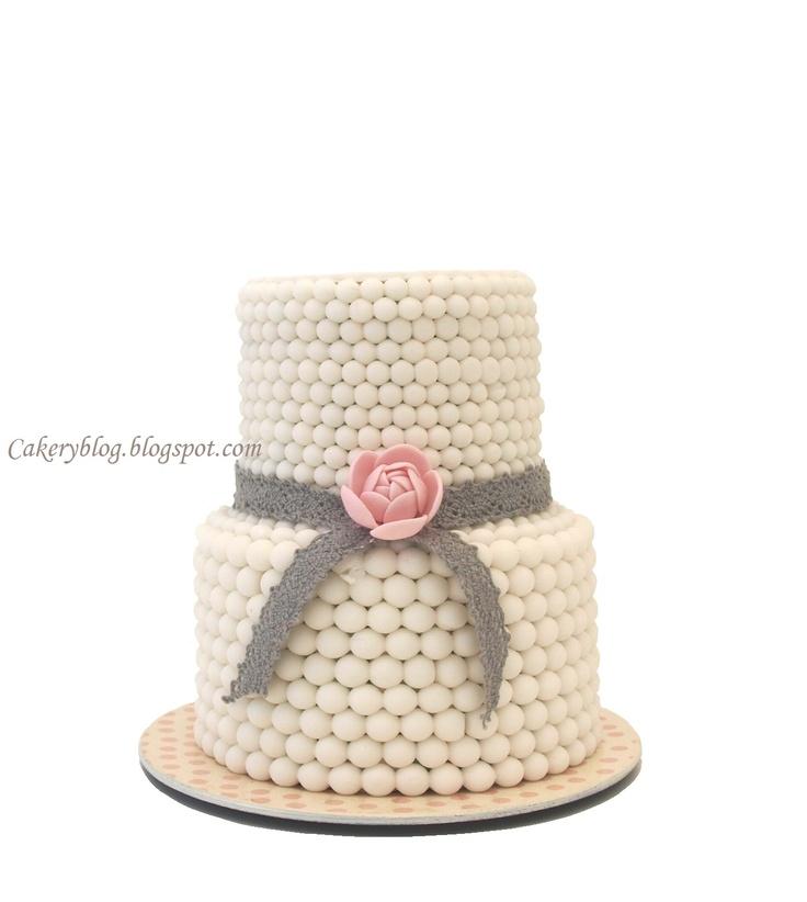 Fondant Cake Design Rosemount Aberdeen : 17 Best images about Modeling chocolate on Pinterest ...