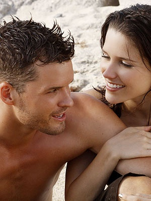 are brooke and julian from one tree hill dating in real life