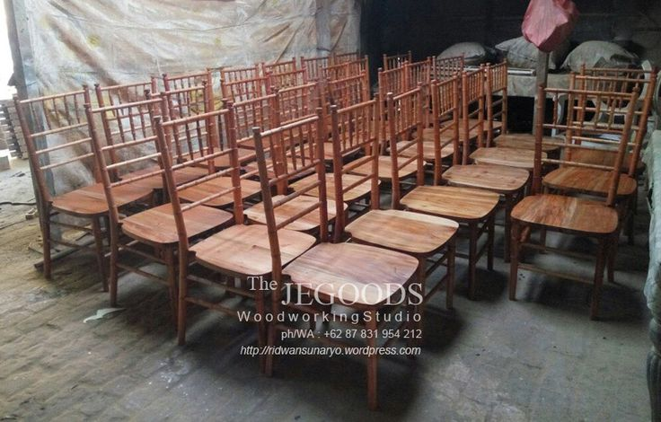 the Jepara Goods produced Tiffany Chairs at factory price. Tiffany chair or Chiavari chair for wedding ceremony. Kursi dekor kursi tiffany by Jepara Goods Woodworking Indonesia furniture manufacturer exporter.