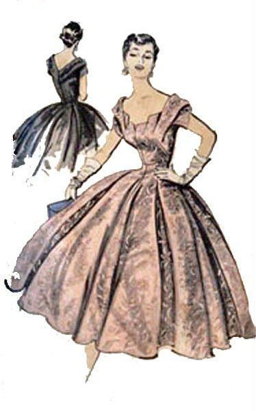 платье с узлом спереди