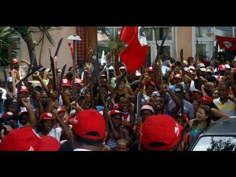 Lula convoca os idiotas úteis para uma guerra civil. - YouTube