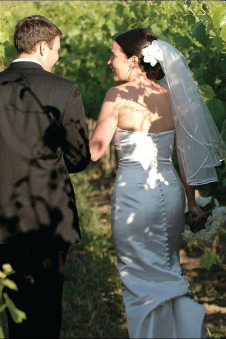 Bridal Veil Diamond (Off) White 2 Tiers Elbow Length 1/4in Satin Ribbon Edge  $34.67