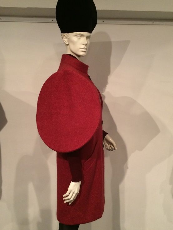 Suzy Menkes Pierre Cardin: a museum from fashion's futurist