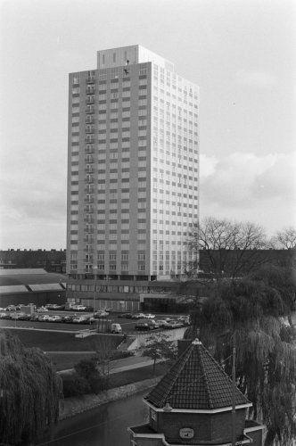 Bernard Bijvoet, Gerard Holt, Yoshiro Taniguchi, Yozo Shibata, Okura Hotel, 1971
