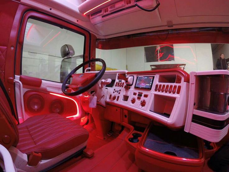 68 best cabine interieur images on pinterest truck cars and semi trucks - Decoration interieur camion ...