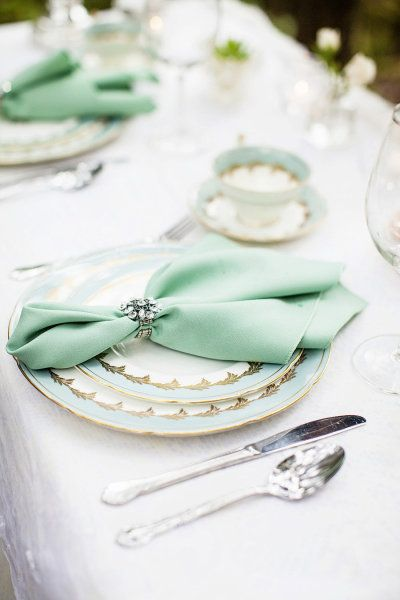 Mint wedding table - Seriously Sabrina Photography