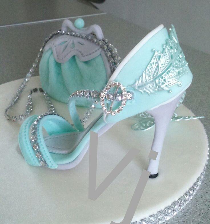 17 Best Ideas About Shoe Cakes On Pinterest Fondant Shoe