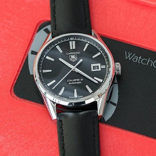 Our Tag Heuer Carrera is fitted with the new Hirsch SpeedThe smooth Black Calfskin leather watch strap ismade to be fully compatible with the Tag deployment clasp tagheuercarrera carreracalibre5 calibre5 tagheuer #tagheuerwatch calibre11  #watchuseek #wus #tzuk #womw #watchesofinstagram #watchoftheday #instawatch #dailywatch #horology #wristgame #watchfam #wristwatch #watchaddict #wristshot #timepieces #swisswatch
