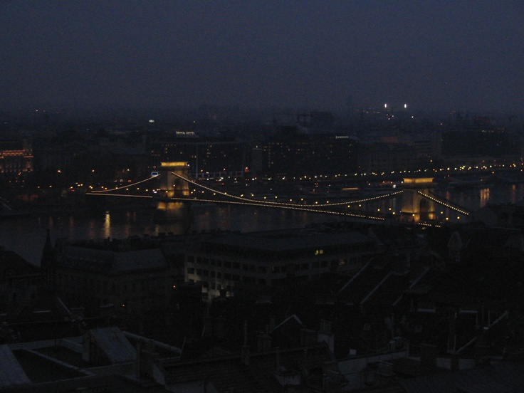 Budapest's Chain Bridge at night