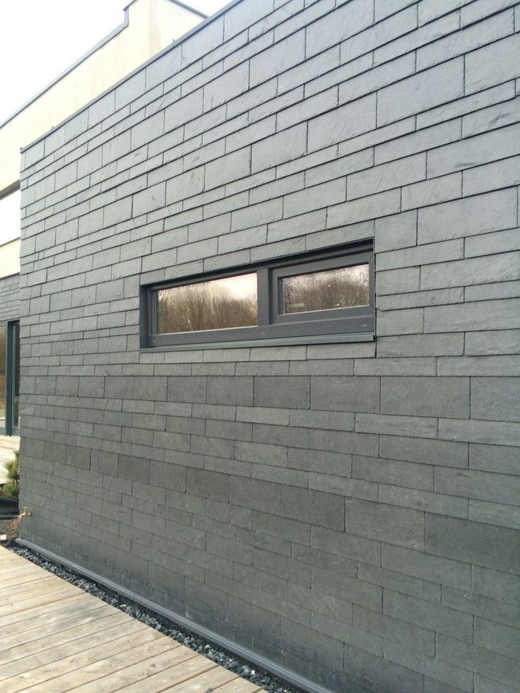 "Фасад дома #Литва #Каунас сланцевая плитка уложена в немецком стиле ""Динамичная кладка"""