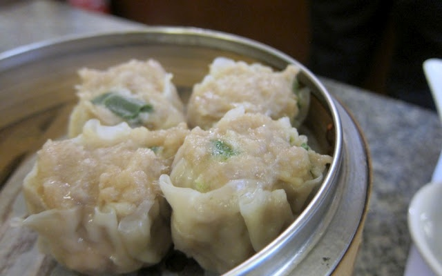 It's a staple in dimsum restaurants but not many of them offer very good siew mai dumplings. These ones are found at 63 Sing Woo Road, Happy Valley, HK.Happy Valley, Woo Roads, Singing Woo, 63 Singing, Siew Mai, Dimsum Restaurants, Mai Dumplings, Comforters Food