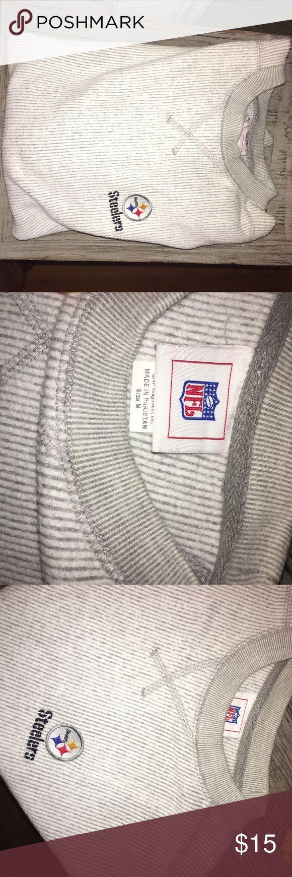 Steelers NFL sweatshirt Men's size medium Pittsburg Steelers sweatshirt NFL Shirts Sweatshirts & Hoodies