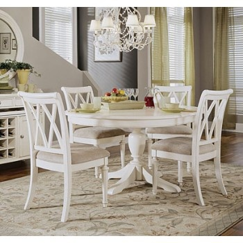 round white vintage dining table-lovelovelove with the arts & crafts style chairs!!!!