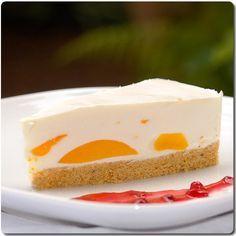 Torta de queso con melocotones.  (Käsesahnetorte mit Aprikosen).