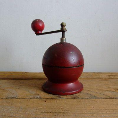 イタリア・コーヒーミル エンジ / TRE SPADE - donum(ドナム)   古道具・アンティーク   インテリア  フランス・ベルギー・イタリア・北欧