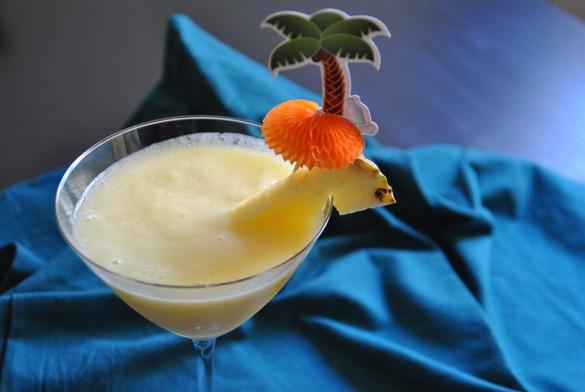 Granizado de melón y piña. Bebidas de verano --> Pineapple lemón Drink for Summer time
