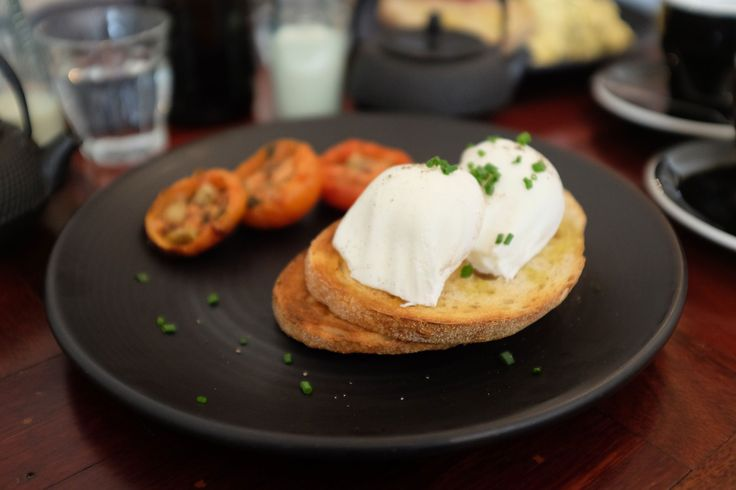 Dairy free brunch at Martha Ray's in Fitzroy!  #brunch #fitzroy #dairyfree  http://bit.ly/1oZx4C7