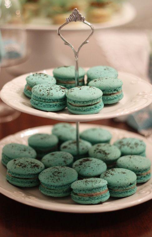 Tiffany inspired bithday, aniversario inspirado na Tiffany, mesa de doces, dessert table, azul, blue, party, festa, decor, decoraçao, macaron.