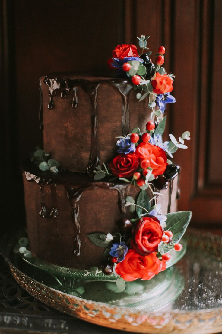 chocolate wedding cakes - photo by Whitney Nichols Photography http://ruffledblog.com/glamorous-old-world-wedding-inspiration