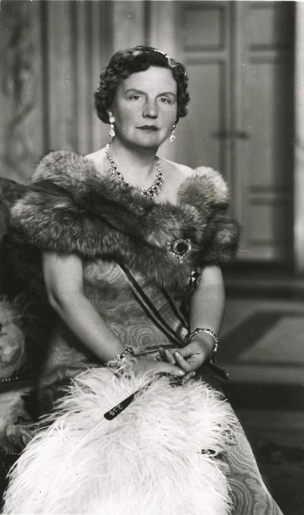 Juliana (Juliana Louise Emma Marie Wilhelmina; 30 April 1909 – 20 March 2004). Queen regnant of the Kingdom of the Netherlands between 1948 and 1980.  My favorite queen!