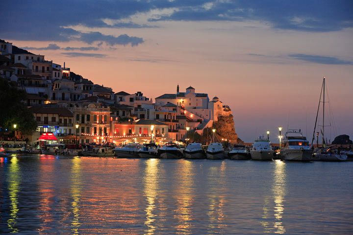 Skopelos old harbour at sunset. www.360skopelos.com