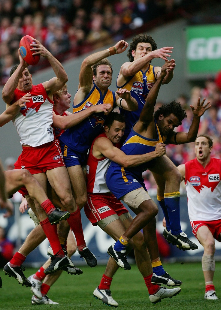 "30 Defining Moments in Sydney    #23 - Leo Barry's Grand Final mark, 2005    ""Leo Barry, you star!,"" cried Channel Ten's Stephen Quartermain.    Read more here: http://bit.ly/J4ukxL"