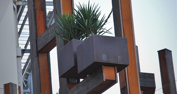 planter boxes for shopping centres