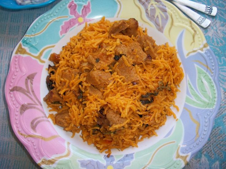 YUMMY TUMMY: Soya Chunks Biryani / Meal Maker Biryani made in Pressure Cooker - Lunch Box Ideas