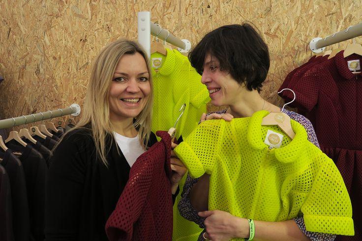 Monika Drápalová a Anna Issa Šotolová #freecircle #monikadrapalova #fashion #dress #designblok2015 #prague