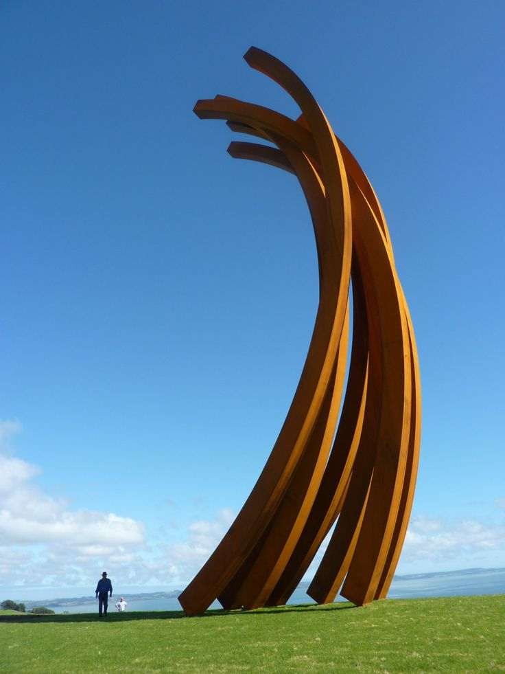 Gibbs Farm sculture park in New Zealand Neil Dawson, Anish Kapoor, Richard Serra, Marijke de Goey, Sol LeWitt, Leon van den Eijkel, Bernar Venet
