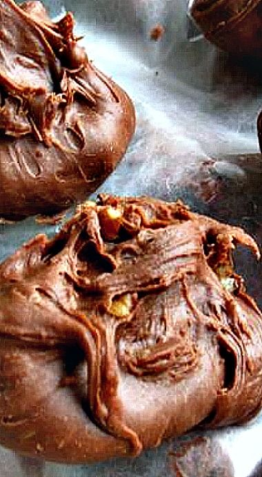 Millionaire Fudge {Granny's Recipe Revisited} - via Cooking with K