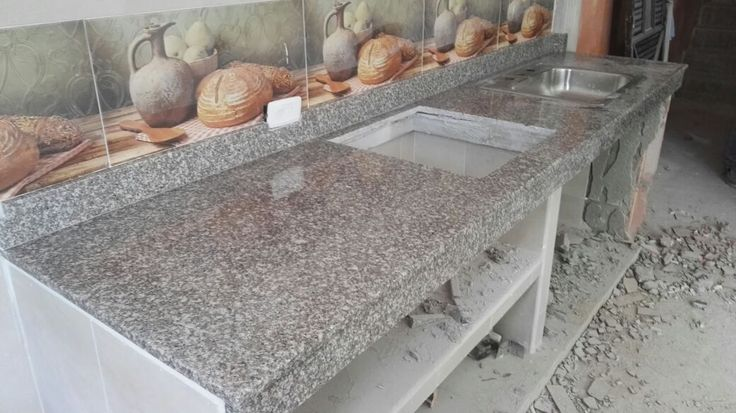 Espectaculares mesones en granito natural ideales para lucir una hermosa cocina en nuestro hogar
