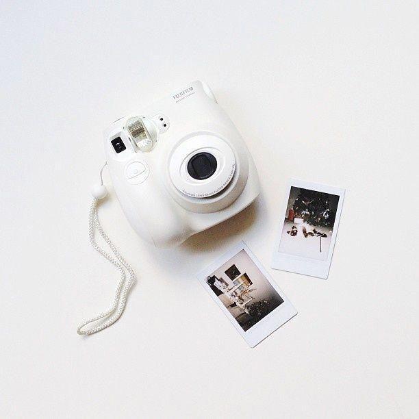 polaroid  pola  fujifilm  instapola  instax  photo  photograph  whitepola   polaroidpictures 04e86bb39923