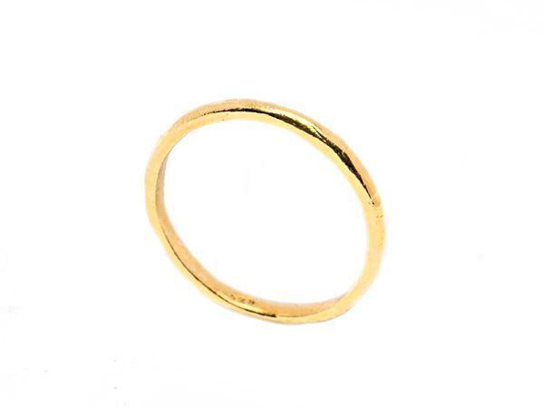 Hammered gold ring - HeidisHoff.no
