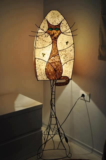 лампа котката със зелените очи stained glass