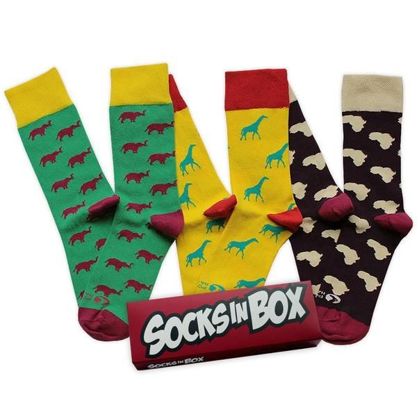 Oficiální modelcestovatelského projektu Ponožky na cestách. Z každé prodané krabičky jde 100 Kč na podporu projektu Ponožky na cestách. Koupí tak podpoříte dobrou věc. Zjistěte víceo tomto úžasném cestovatelském projektu v rozhovoru na blogu SocksInBox.  Velikost38-42 V krabičce jsou 3 páry ponožek 85 % česaná bavlna, 13 % polyamid, 2 % elastan