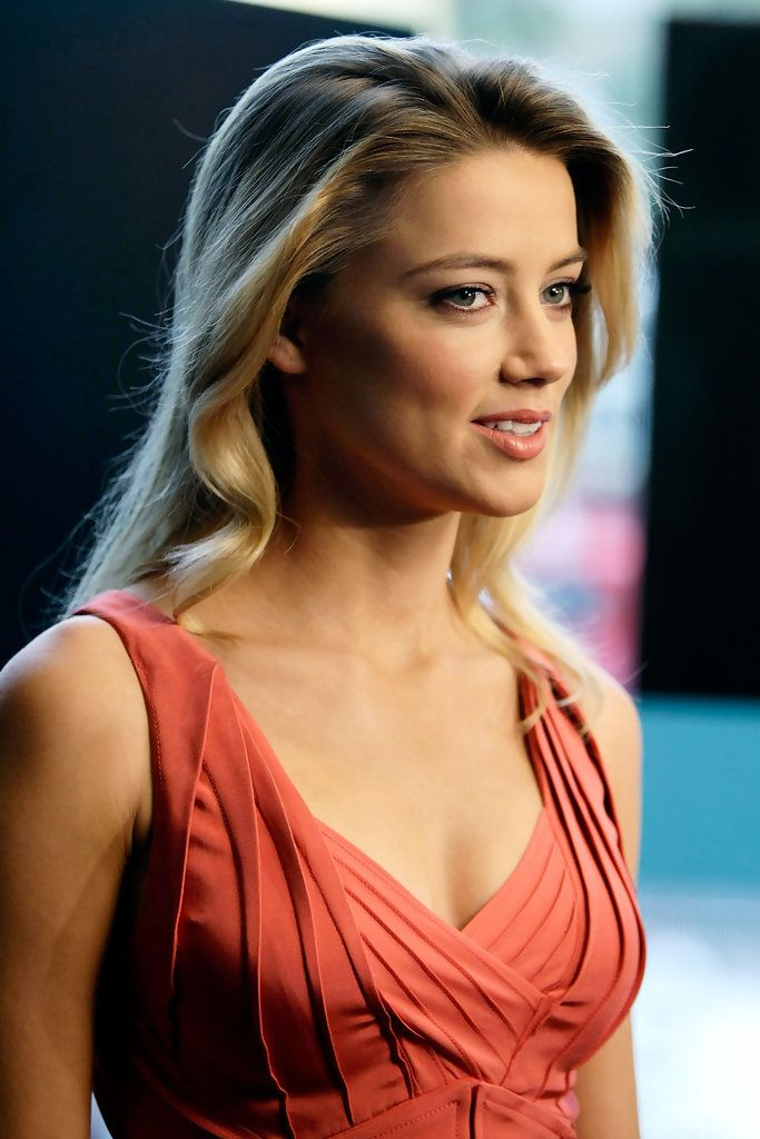 The talented Amber Heard Attractive Hairstyles... At the age of 16, her best friend died in a car crash and Heard, who was raised Catholic, subsequently declared herself an atheist after being introduced to the works of Ayn Rand by her then-boyfriend.